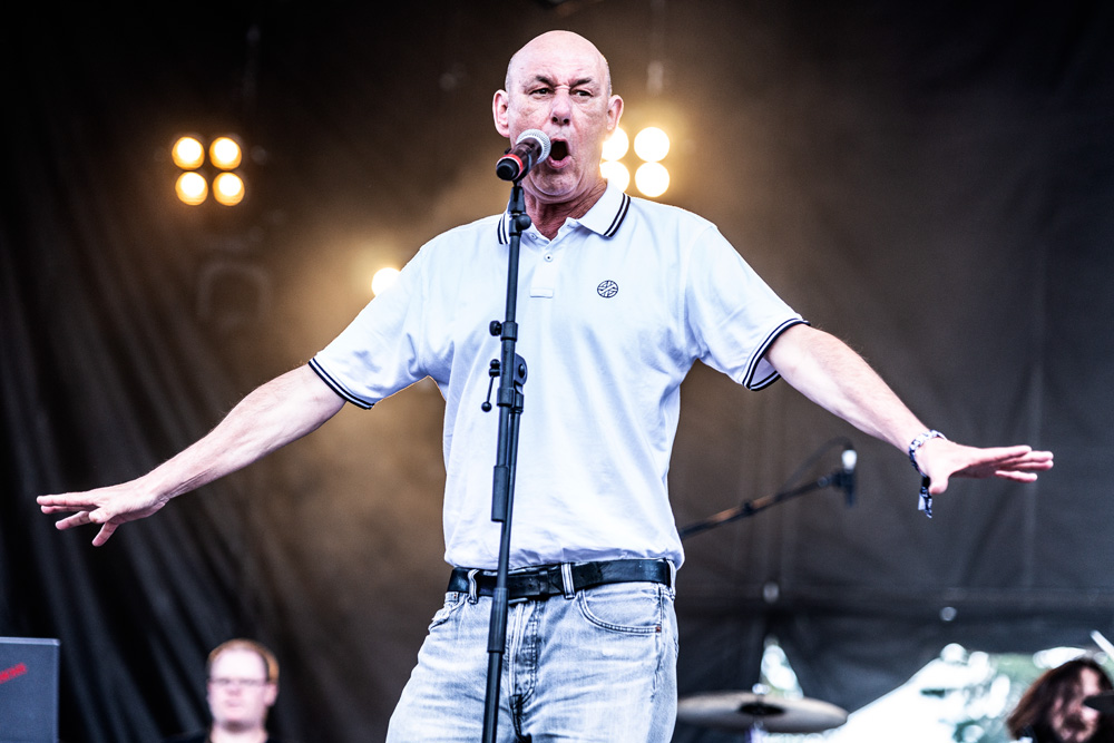 Steve Ignorant & Paranoid Visions rock '77 festival // Photo : Kieron Yates